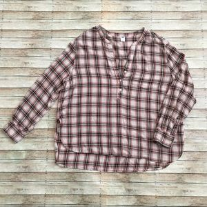 Old Navy Plaid V-Neck/Button-Down Shirt